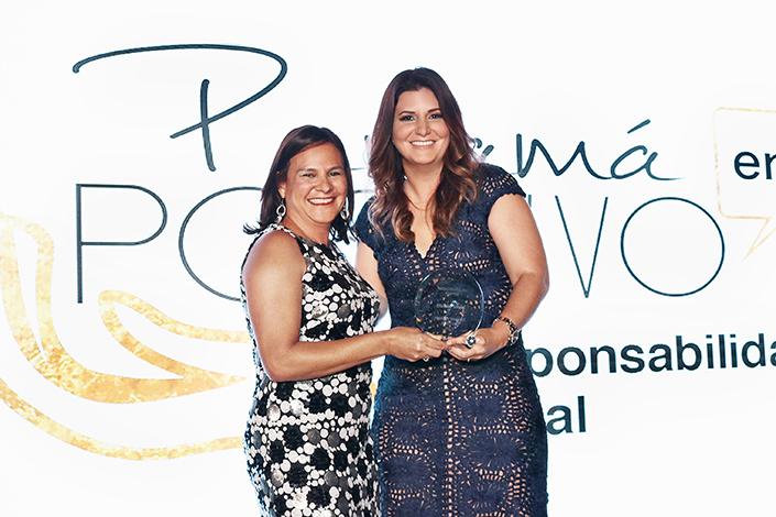 EMPRESARIALES EVENTOS ON THE SPOT    La Revista Mundo Social galardonada en los Premios Panamá en Positivo