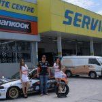 EMPRESARIALES  | AUTO CENTRO, S.A. FIRMA ACUERDOS DE PATROCINIO CON EQUIPOS DE CARRERAS