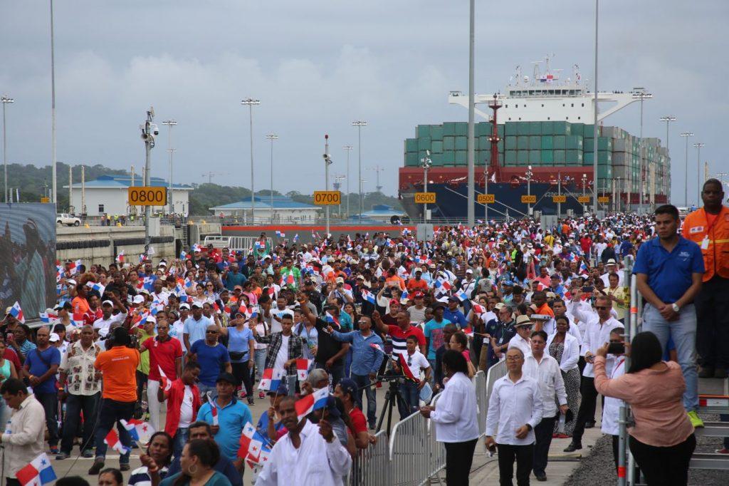 SOCIALES  | Turistas también exclamaron: ¡Viva Panamá!