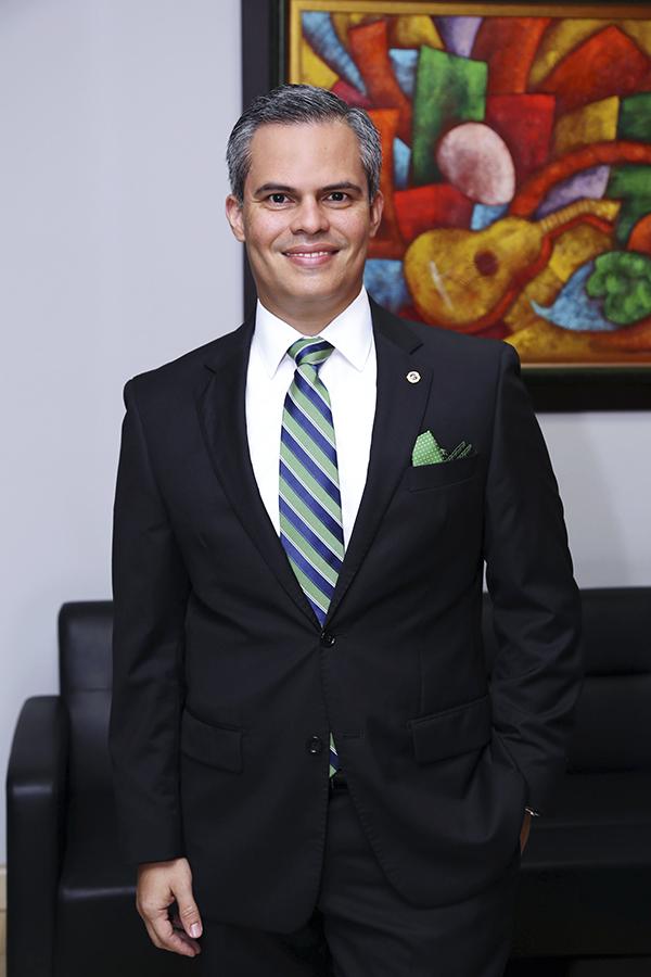 MR. TIE  | RUBÉN DARÍO MORA