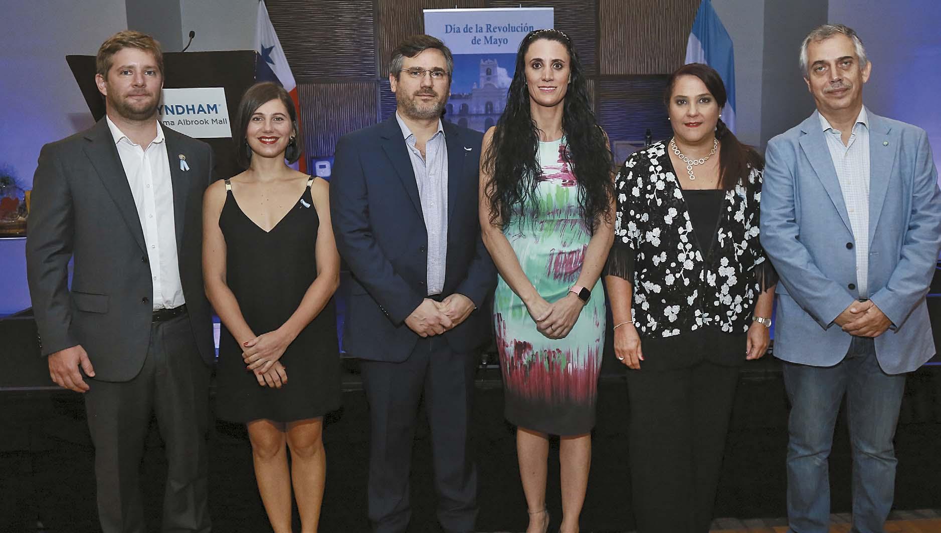 CULTURALES EVENTOS  | La Embajada de Argentina celebró el aniversario 208 de la Revolución de Mayo