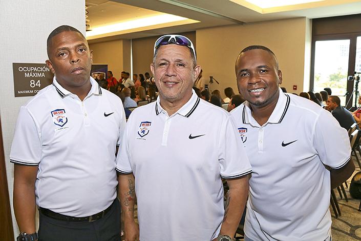 EMPRESARIALES EVENTOS  | Lanzamiento de BESIR, la Academia de Fútbol de Román Torres