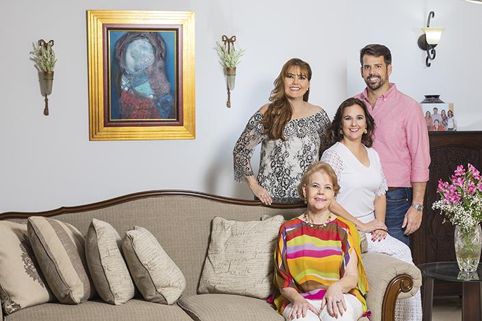 GENTE PORTADA  | Geraldine De García De Paredes