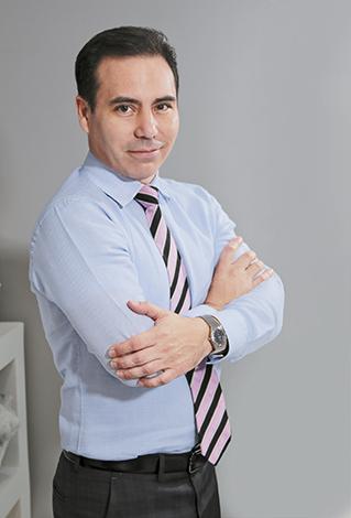 GENTE MR. TIE  | Doctor Rolando Pardo