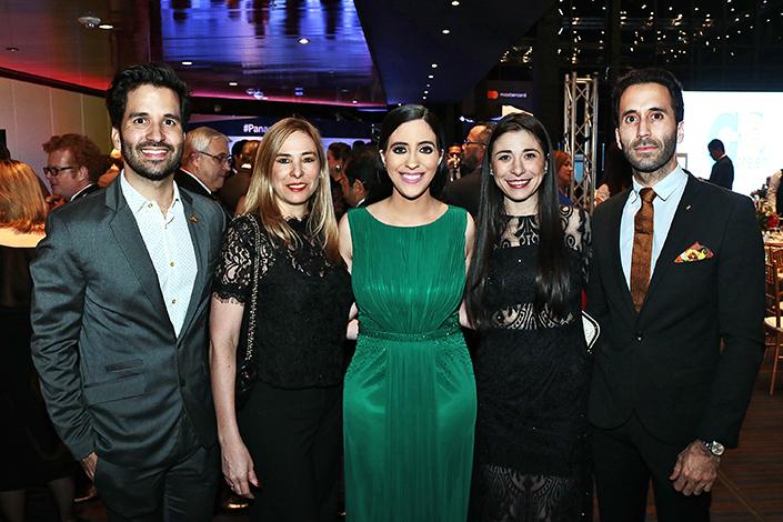 EMPRESARIALES EVENTOS ON THE SPOT  | La Revista Mundo Social galardonada en los Premios Panamá en Positivo
