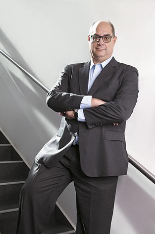 GENTE PORTADA  | Victor Sánchez Urrutia