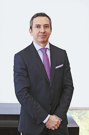 GENTE MR. TIE  | Alexander Acosta