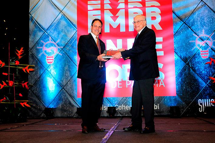 """EMPRESARIALES EVENTOS    Capital Bank presenta su Libro """"Emprendedores de Panamá"""""""