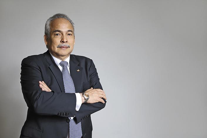 GENTE PORTADA  | CARLOS URRIOLA TAM