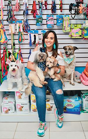 GENTE PET'S LIFE  | Anna Mae Marín, Woof House