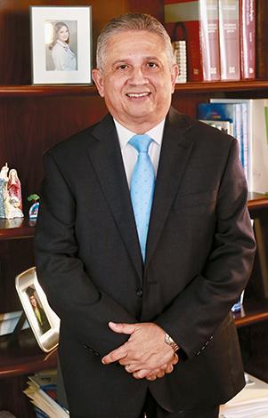 GENTE MR. TIE  | DR. PAUL GALLARDO