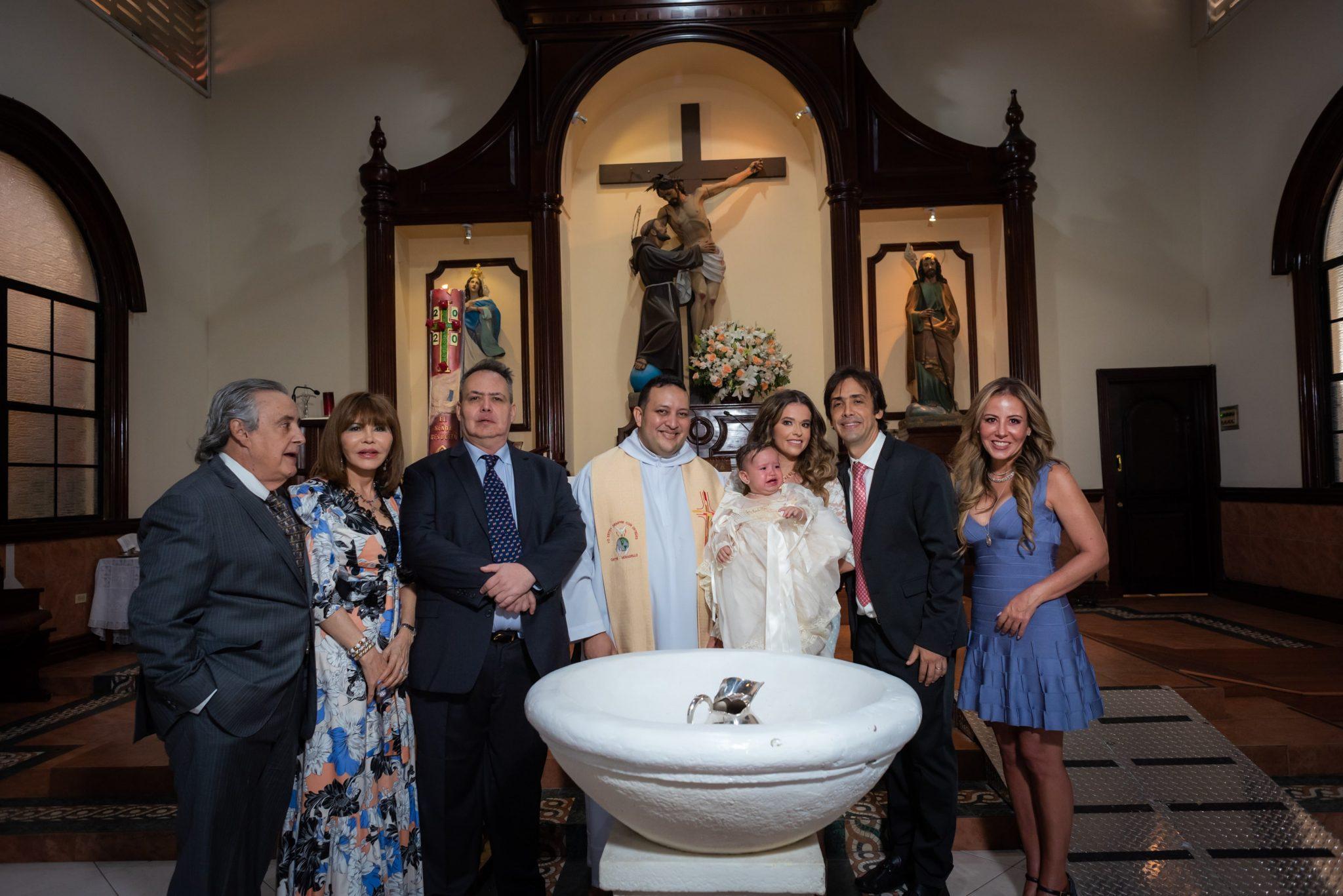 EVENTOS SOCIALES    El bautizo de Antonella