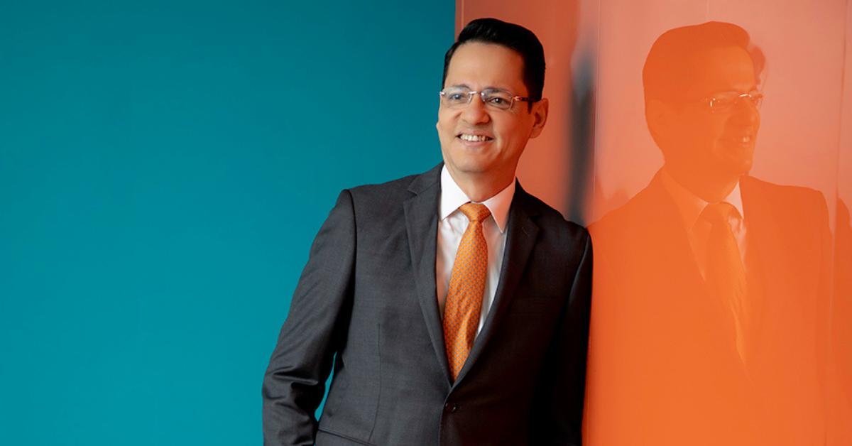GENTE MR. TIE  | ÁLVARO ALVARADO