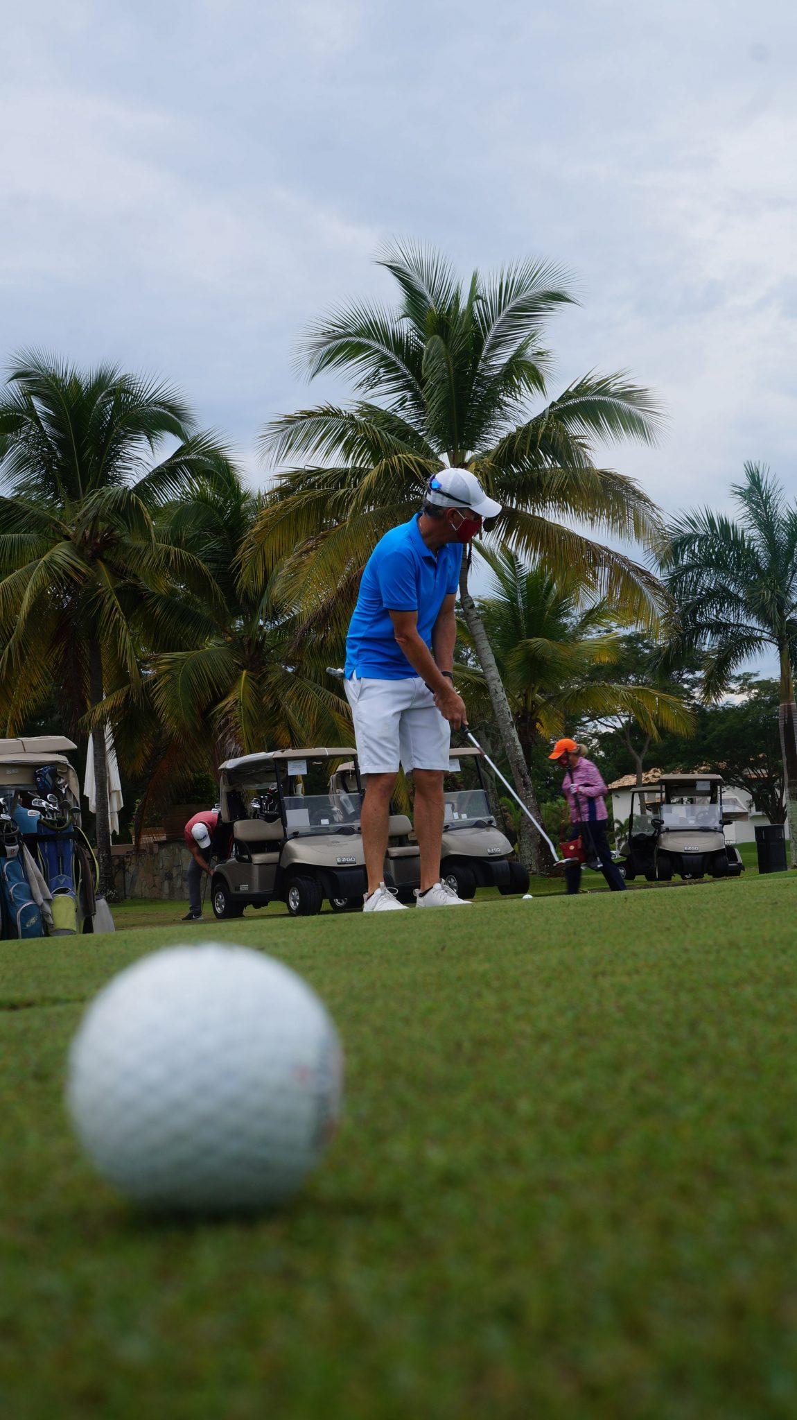 EMPRESARIALES EVENTOS    Golf por una buena causa