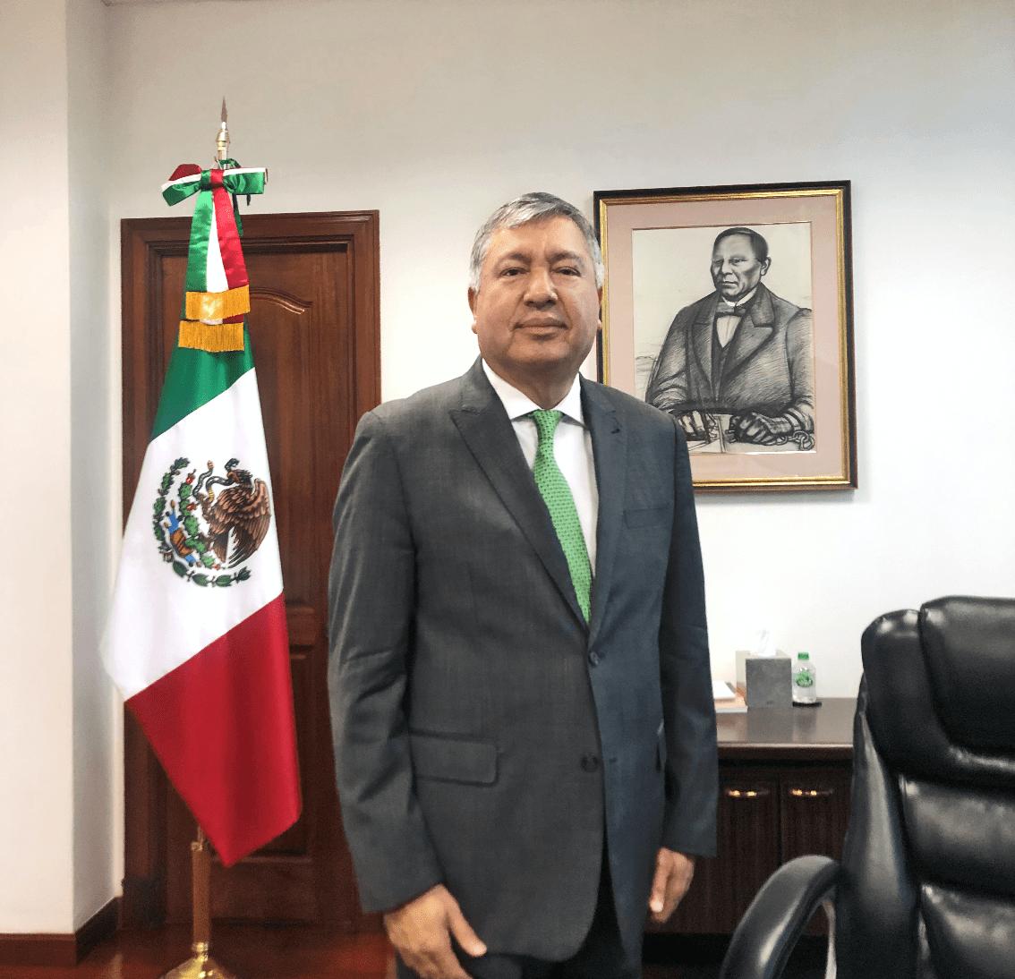 GENTE MR. TIE  | LUIS LÓPEZ MORENO